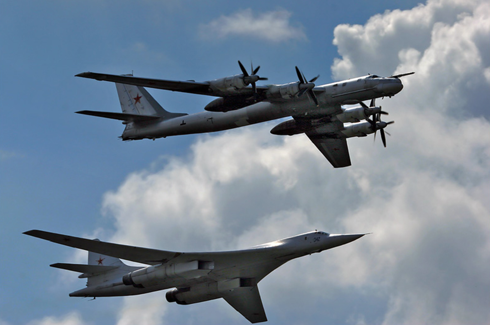 Фото самолетов дальней авиации россии с ракетами 2